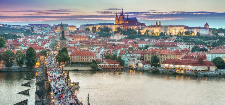 Prag i solnedgång